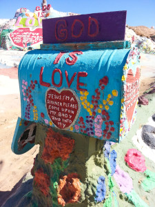 Mailbox proclaiming love